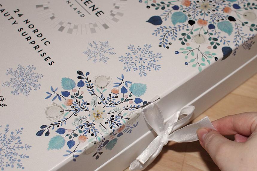 Lumene joulukalenteri 2020: pakkauksen yksityiskohta