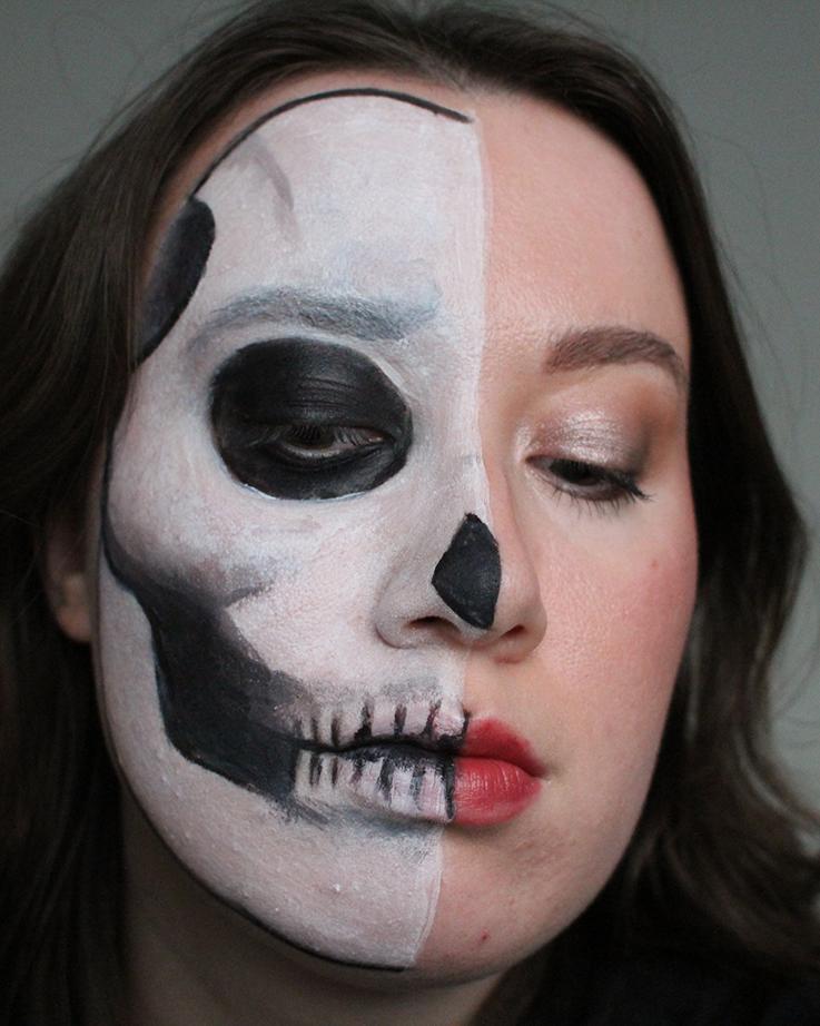 Helppo Halloween-meikki: puolikas pääkallo