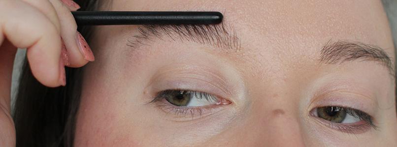 Saippuakulmat eli soap brows: litistys